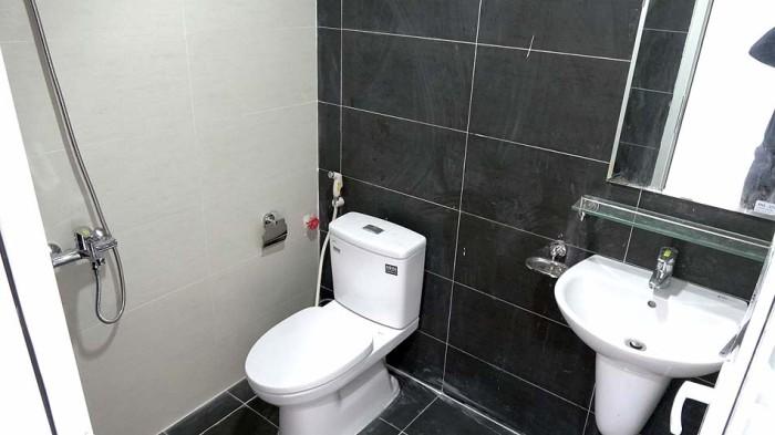 各フロアには必ずお手洗いとシャワーが付きます