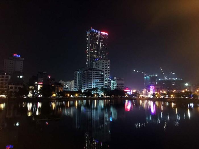 高層ビルが増えて来たお陰か、夜景が綺麗になってきたハノイ