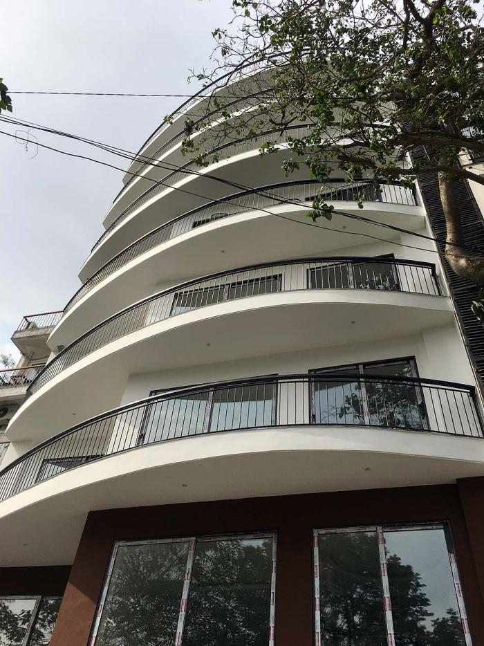 Kim Maのど真ん中に建つサービスアパート「リノベートして新たに賃料を上げて貸し出します」