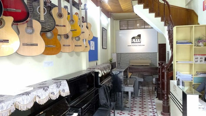 とてもリーズナブルな価格でピアノとギターを教えてくれます!(Piano Plus)
