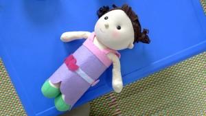 こんな可愛い人形の着せ替え一つでも、お子様の知育を考えて作られています