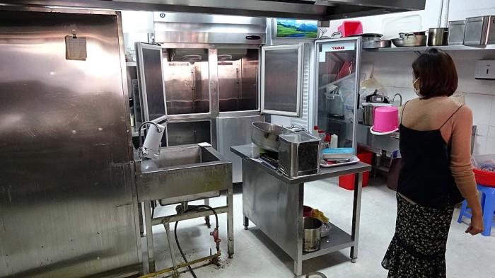 1階キッチンには十分使える器具があります