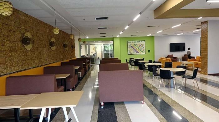 生徒さん達や先生も「Joma Cafe」の美味しい飲み物を楽しまれています