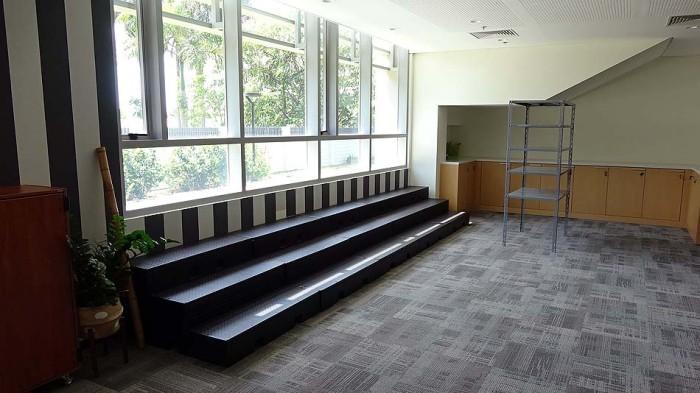 演劇や音楽の専門の教室もあります