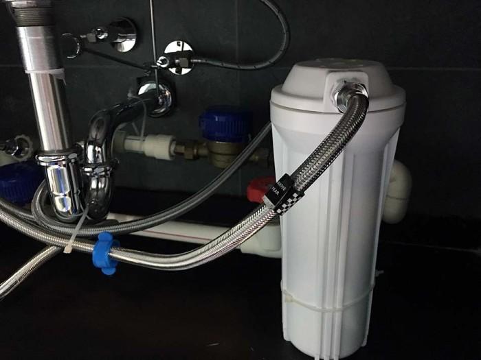 アパートの水を先ず最初に浄水するフィルター「前処理濾過機」