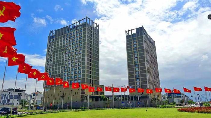 Hotel Nikko Hai Phongと「Roygent Parks Hai Phong」は綺麗に並んで建っています